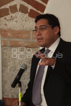 LUIS GONZÁLES. CDHDF. FORO DISCRIMINACIÓN HOMOFÓBIA