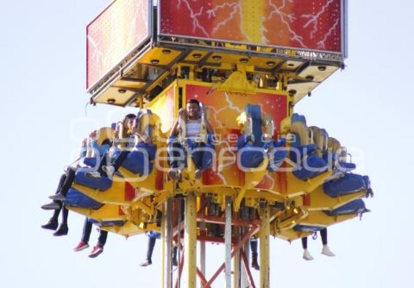 Agencia Enfoque Juegos Mecanicos Feria De Puebla