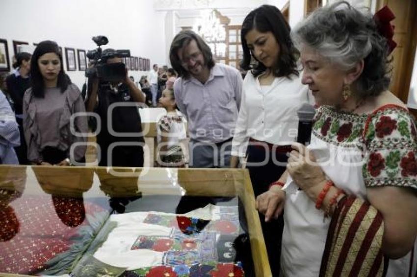 Agencia Enfoque Exposición Traje De La China Poblana