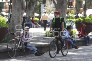 REPARTIDORES DE COMIDA