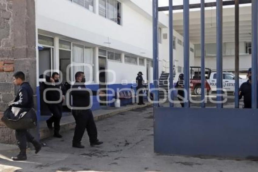 Restricción en acceso de la policía estatal. Existe la versión que se encuentran presuntamente retenidos 8 policías estatales para ser obligados a firmar su baja. //Guadalupe Zúñiga/Agencia Enfoque//