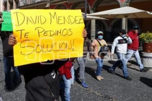 MANIFESTACIÓN . FUERZA 2000