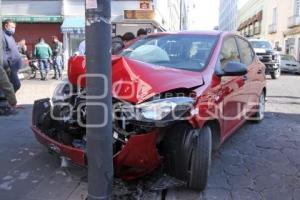 ACCIDENTE AUTOMOVÍSTICO . 7 SUR