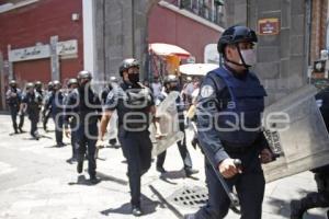 POLICÍA . RIÑA DE AMBULANTES