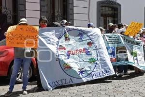 CONGRESO . PROTESTA POR AGUA