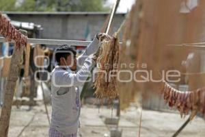 TEHUACÁN . MOLE DE CADERAS
